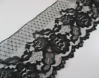 Lace of Calais, Soft nylon, black, Coupon 0.90 cm width 10.5 cm.