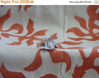 ON SALE stunning vintage sterling silver and cz ring size 9 1/2