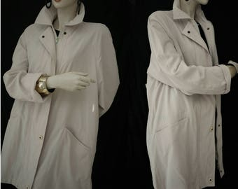 Vintage 80s trench coat/light beige waterproof jacket/lightweight trench coat/Made in Italy/medium size Large