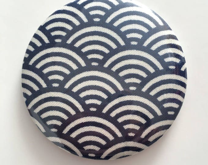 Fabric magnetic badge size 58: Japanese fabric scales Navy color