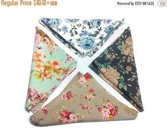 10% off Men's gift Men's pocket squares Set of 4 White pocket square Brown handkerchief Shabby chic pocket square Vintage pocket square in r