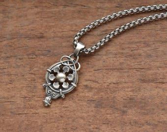 Celtic flower Necklace, Celtic jewelry, Celtic Knot pendant,  Celtic Style