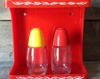 Set of 2 vintage Gemco salt and pepper shakers | Vintage Kitchen