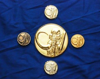 NEW RARE Starlight Studios Black Ranger Mastodon Movie Chest Coin Prop Mighty Morhpin Power Rangers The Movie with 4 Mastodon power coins