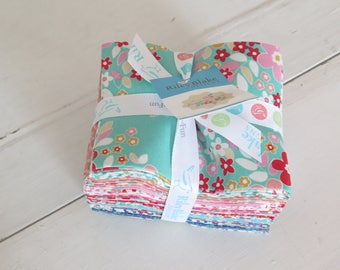 Forget Me Not 18 piece fat quarter cotton fabric bundle from Riley Blake Designs, by Tammie Green