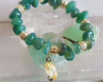 Moss agate with citrine charmed bracelet