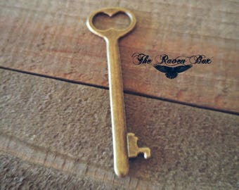 Bronze Key Charm Key Pendant Antiqued Bronze Skeleton Key Steampunk Key Bronze Pendant Charms by the Piece Wholesale Key 53mm