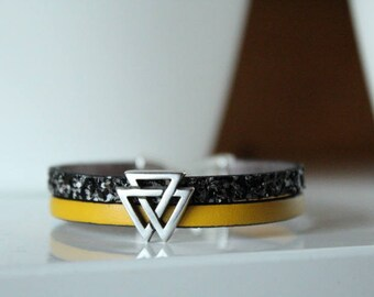 Black glitter and yellow leather bracelet, from 3 triangles