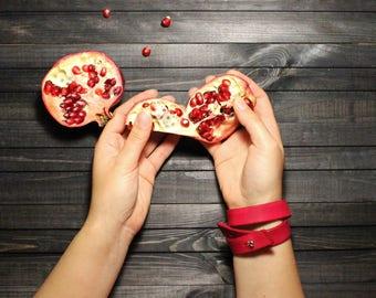 Leather bracelet Leather wristband Leather accessories Fashion bracelet Vegtanned leather bracelet Red bracelet