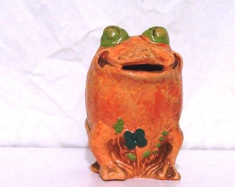 Vintage ceramic hand painted frog with coin