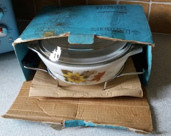 Vintage Pyrex JAJ Autumn Glory Casserole dish, serving dish, vintage retro