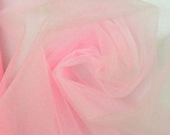 Roll of soft tulle pink 25 m 270 cm wide