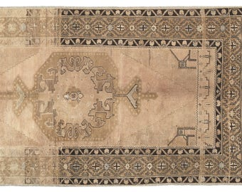 "Vintage Rug, Anatolian Rug,  4'0""x5'9'' Beige Rug, Turkish Rugs, Decorative Rug, Vintage area Rugs, tribal rug, home decor, antique rug"