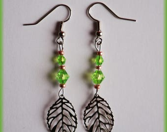 Earrings leaves and green beads