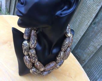Raffia bark necklace