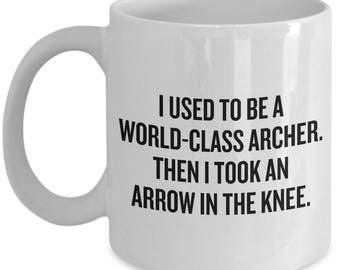 Funny Archery Gift - Archer Present - I Took An Arrow In The Knee - Archery Mug