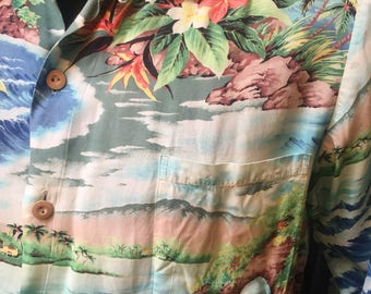 Long sleeved shirt! Men's Pali Hawaiian print in Rayon...from the 1960s!
