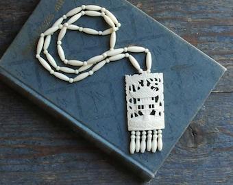 Vintage bone necklace, carved bone necklace, long necklace, large pendant, carved bone pendant, bone beads