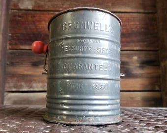 Old Vintage Bromwell's 5 Cup Metal Measuring Flour Sifter Kitchen Tool Red Knob USA