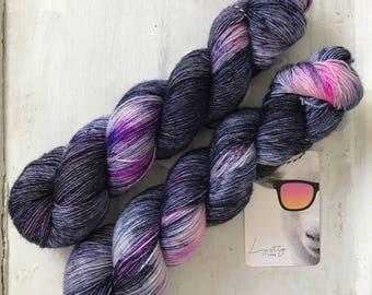 Hand dyed merino wool single yarn 100 g / 366 m / Indie dyer Lystig Yarn / Spaceman