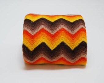 Vintage 70s Chevron Afghan ⎮ 70s Crocheted Throw ⎮ Handmade Blanket Boho Home Decor