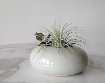 Pottery Bud Vase, Ceramic Bud Vase, Pottery Vase, Ceramic Vase, Ceramic Air Plant Display, Air Plant Holder, Minimalist Pottery