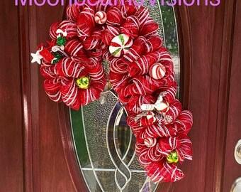 25% OFF Candy Cane wreath, candy cane door decor, Christmas wreath, Xmas wreath, Christmas door decor, deco mesh candy cane wreath, deco mes