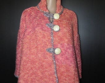 Superbe gilet en laine  couleur saumon entièrement tricoté main /Nice  wool salmon sweater all hand made knitted  sz medium large