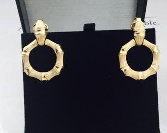 """Vinrage Gold """"Avon"""" Earrings"""