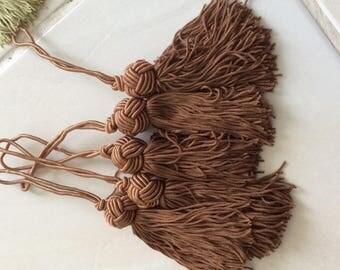 Tassels Brown length 9 cm