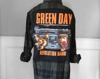 Green Day Revolution Radio Flannel Tee Green Day Tee Shirt new Green, Olive and black soft brushed cotton plaid flannel neutral men's large