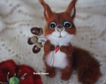 Needle felted Squirrel. Felted squirrel, needle felted animals, felt toy, toy squirrel, little squirrel, soft sculpture, cute toy, gift, red