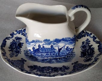 Enoch Wedgwood (tunstall) Ltd Royal Homes Of Britain Creamer and Underplate