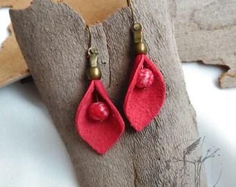 Leather flower-shaped earring