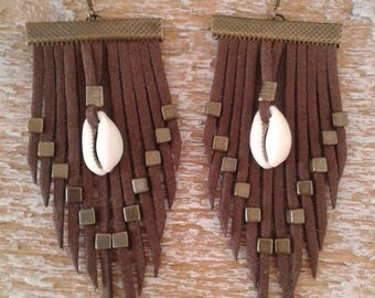"Earrings with fringe and Brown Shell ""Daughter"""