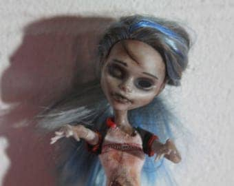 Amber Lee (OOAK Custom Monster High Repaint)