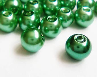 22 clear 8mm Green opaque Pearl glass beads