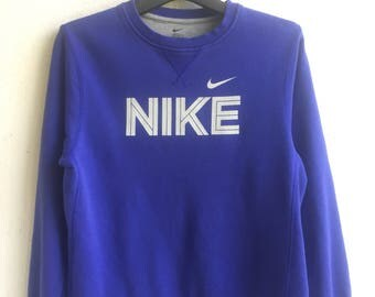 Nike sweatshirt / big logo / spell out / pull over / nice design / size large for woman