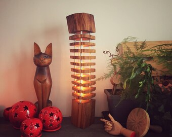 Light wood - log column 02