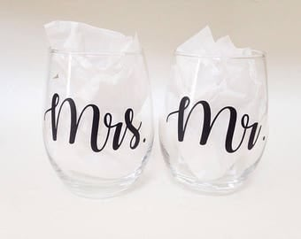Set of Mr. and Mrs. stemless wine glasses / Bride and Groom wine glass set / His and Her's / wedding gifts