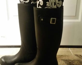 Elegant and tall boot shapers