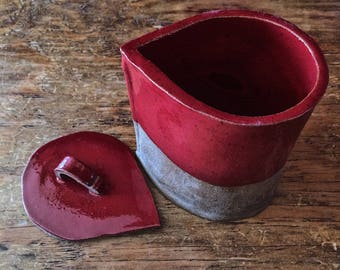 Red Teardrop Canister w/Lid