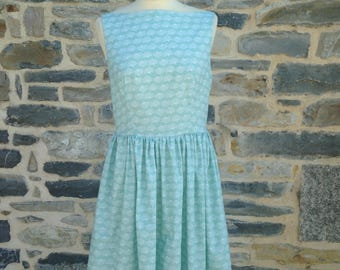 Vintage dress with straps and Halter (sizes 34 to 42)