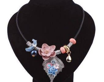 Pretty Flower Necklace Fashion Jewelry / Beaded Women Necklace / Jewelry Accessories