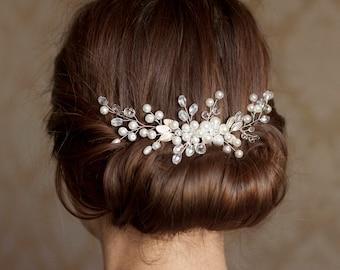 Bridal hair comb Wedding hair comb Bridal comb Pearl bridal comb Delicate bridal comb Crystal hair comb Flower hair comb Bridal hair jewerly