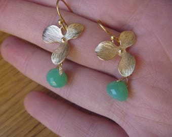Earrings green Crystal with chalcedony