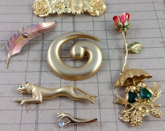 vintage brooches lot of 7 - gold tone brooches and pins - destash lot