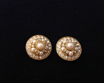 Gorgeous vintage costume jewerly!