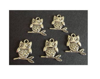 set of 3 charms OWL on a silver plated branch (D44)