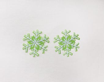 2x greenSNOWFLAKES Patch Iron On Embroidered perfect for Elsa Frozen costume Christmas white snow holidays decorations winter DIY project